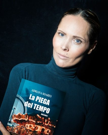 Adriana Soares nelle pieghe del tempo